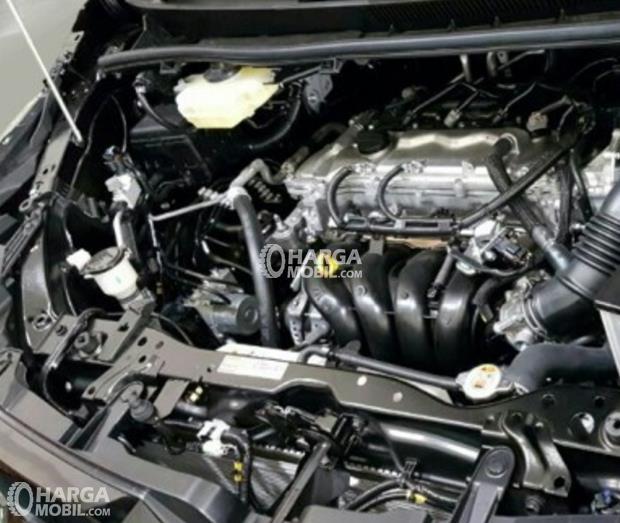 Gambar bagian mesin mobil Toyota Voxy 2017 berwarna hitam