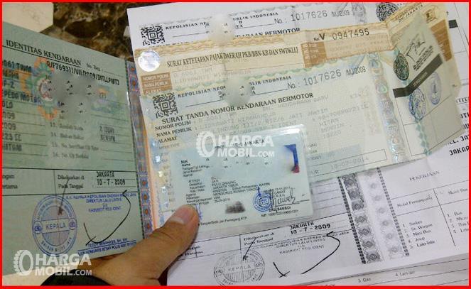 kalau mau registrasi kendaraan bermotor 5 tahun, harus menyiapkan dokumen - dokumen lengkap