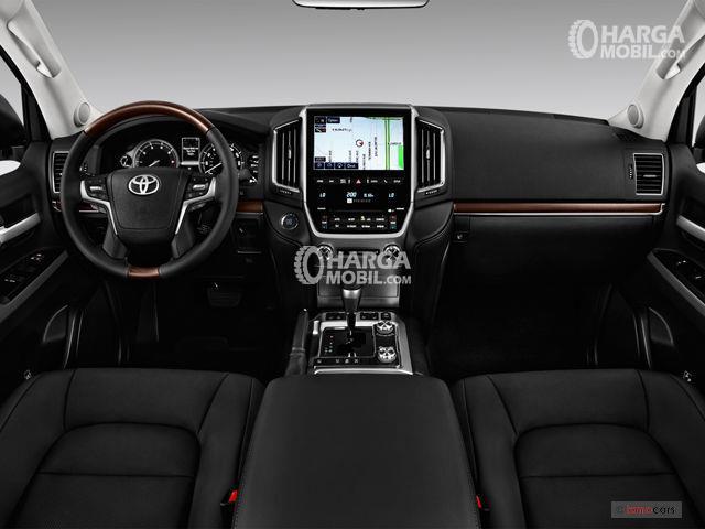 gambar bagian interior Toyota Land Cruiser 2017 berwarna hitam