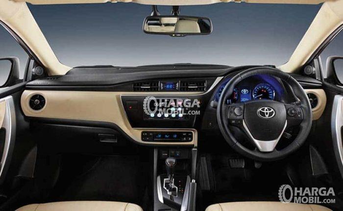 Gambar bagian dashboard mobil Toyota Corolla Altis Facelift 2017 berwarna hitam