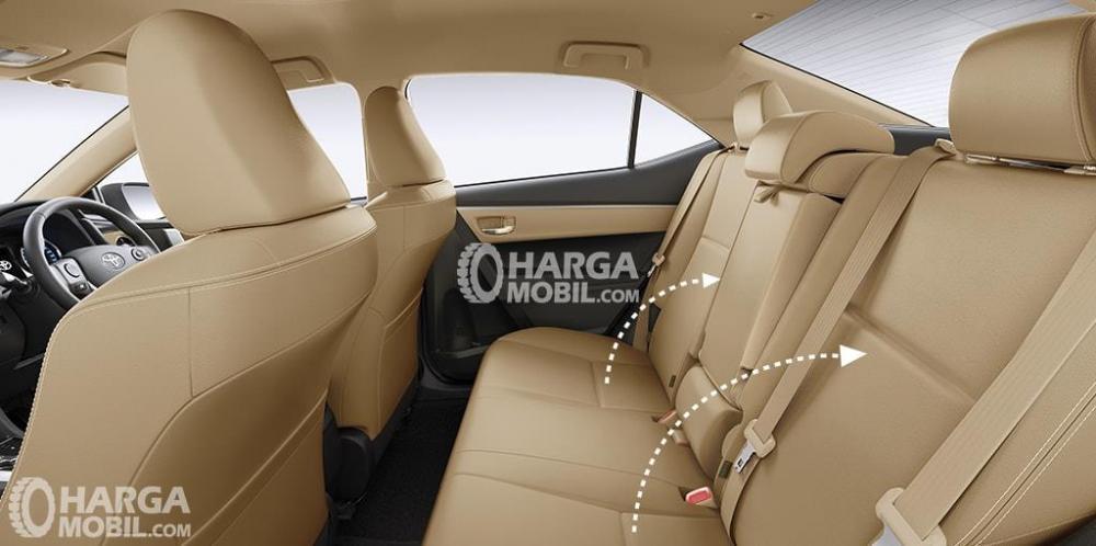 Gambar bagian kursi mobil Toyota Corolla Altis facelift 2017 berwarna kuning muda