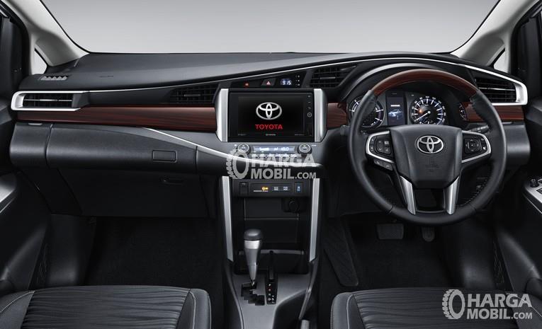 gambar bagian dashboard mobil Toyota Venturer 2017