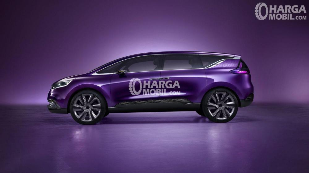 Mobil Renault RBC baru berwarna ungu dalam gambar