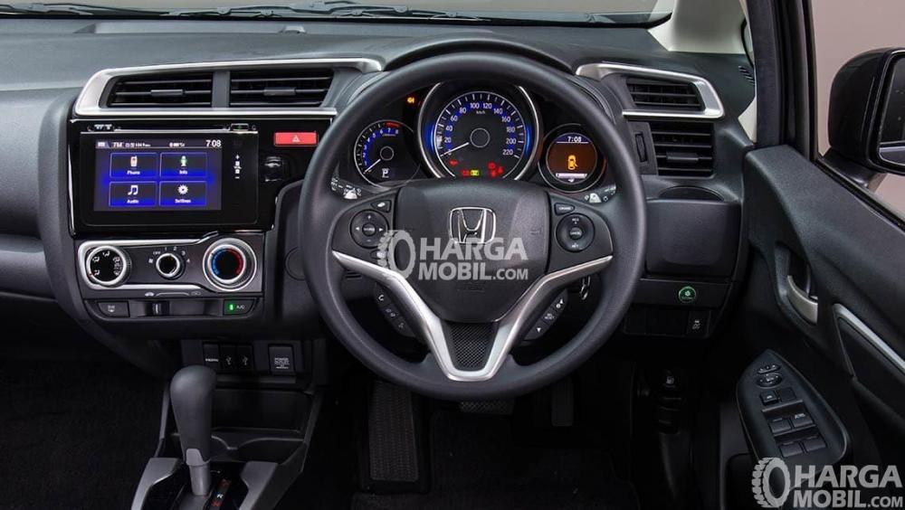 Gambar setir mobil Honda Jazz 2015 berwarna hitam