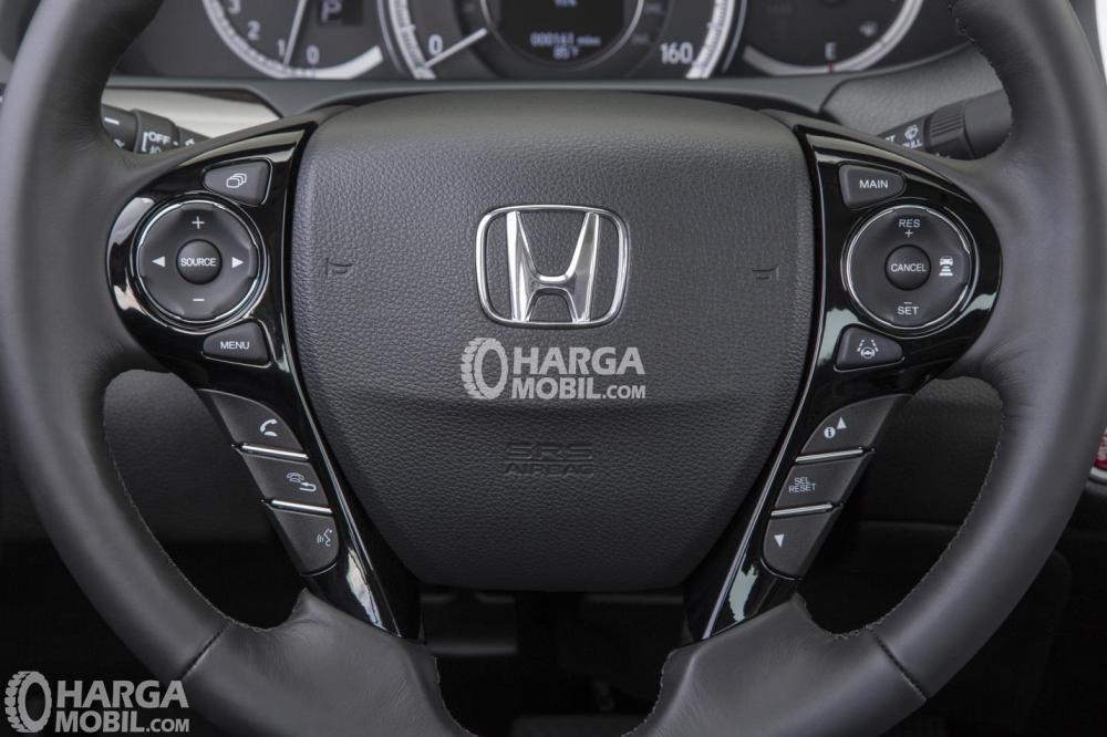 Gambar bagian setir mobil Honda Accord 2016 berwarna hitam
