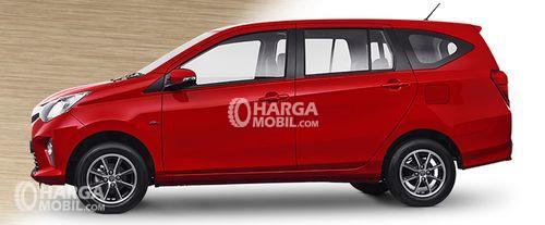 Desain bagian samping mobil Toyota Calya 2016 berwarna merah