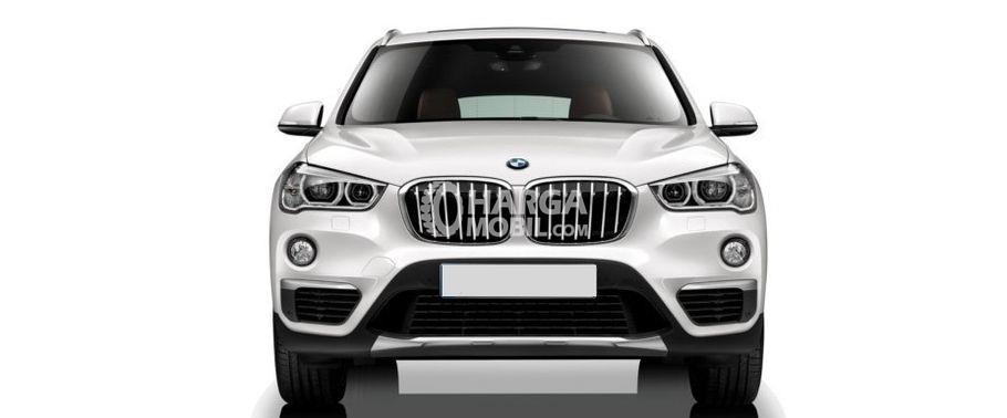 Gambar mobil BMW X1 2015 berwarna putih dilihat dari bagian depan