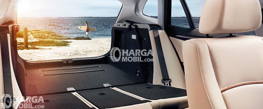 gambar ruang kabim BMW X1 2015 membawakan rasa  nyaman kepada penumpang