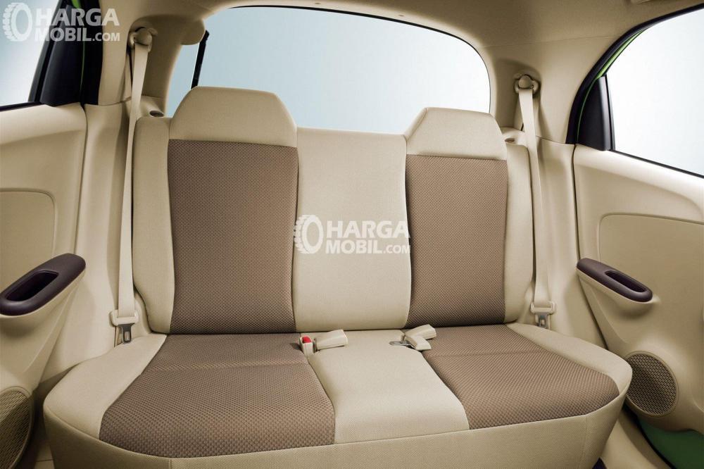 Kursi mobil Honda Brio Satya 2016 berwarna coklat