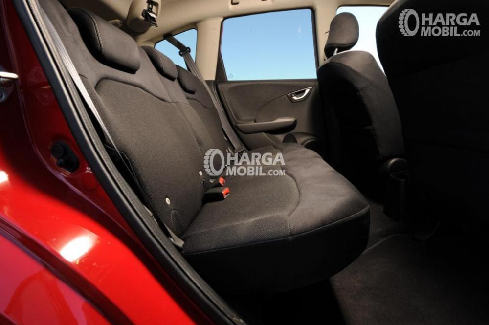 Bagian kursi belakang Honda Jazz 2014