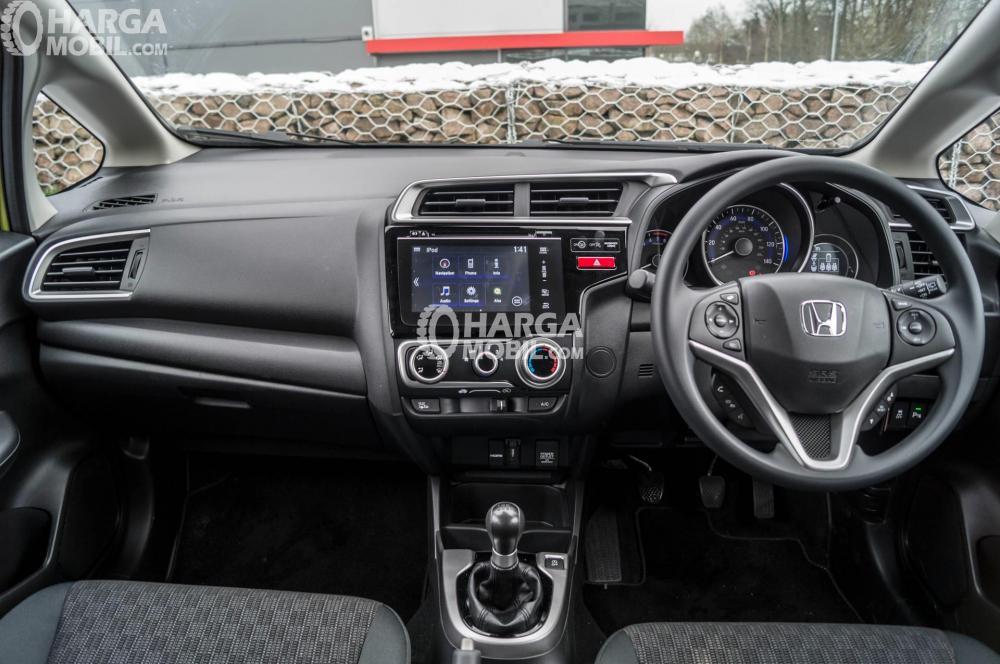 Gambar bagian steering mobil Honda Jazz 2015 dengan audio switch control