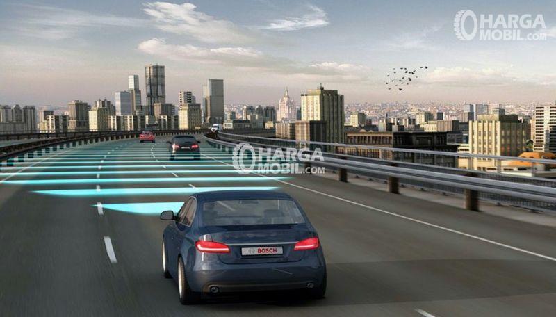 gambar menunjukkan jarak aman juga seperti jarak minimal dalam dua kendaraan jika berkendara di jalan umum