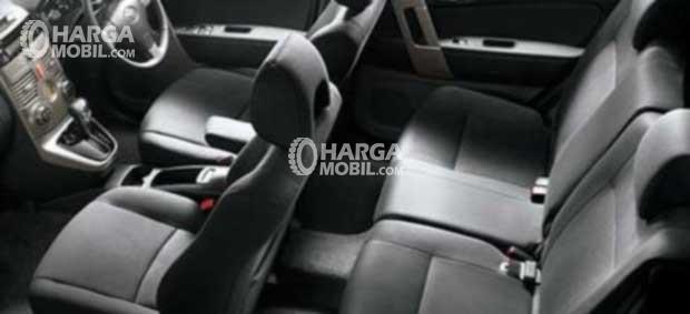 Gambar bagian kursi mobil Toyota Rush 2012