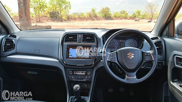 Gambar bagian dashboard mobil Suzuki Vitara Breeza 2018