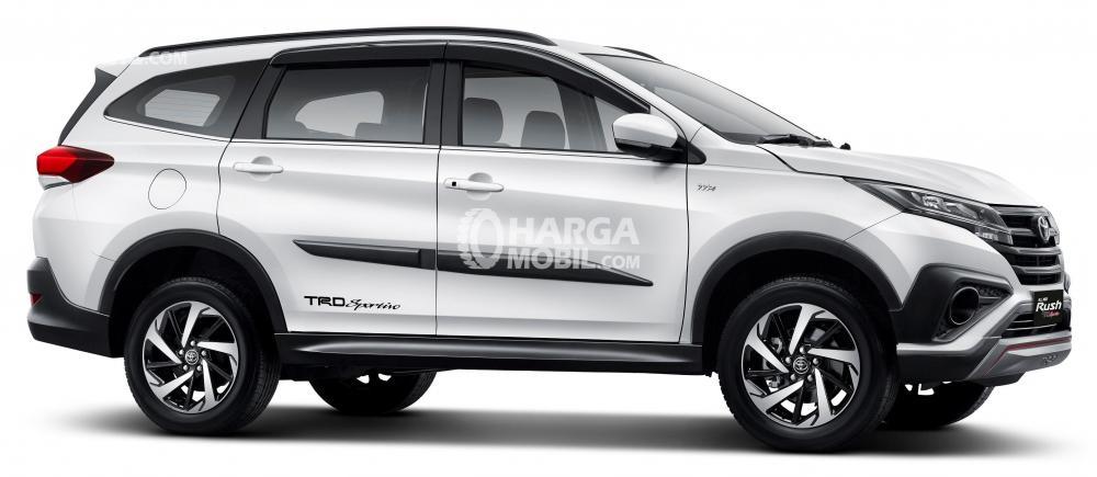 Gambar Toyota All New Rush dilihat dari arah samping