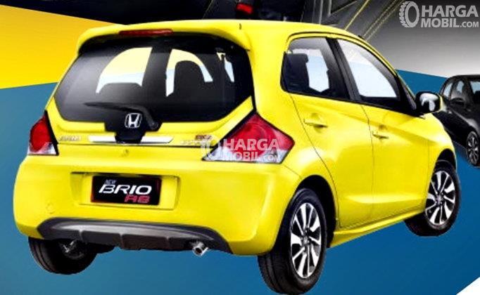 gambar bagian belakang Honda Brio 2017 berwarna kuning