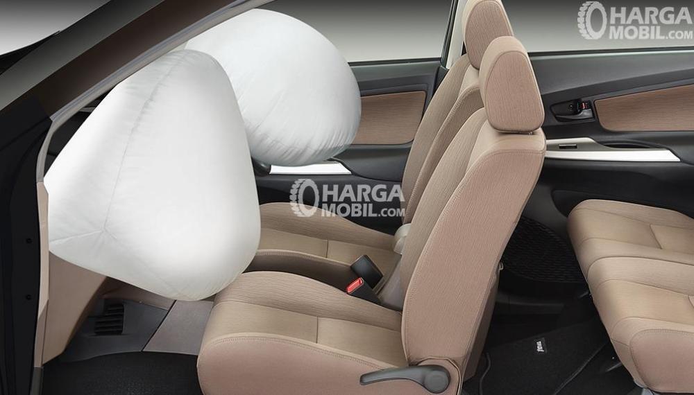 gambar fitur airbag di bagian depan mobil daihatsu xenia r sporty 2016