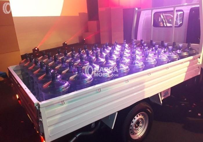 Isuzu Traga punya bak yang lebih besar dibanding mobil pick up milik kompetitor