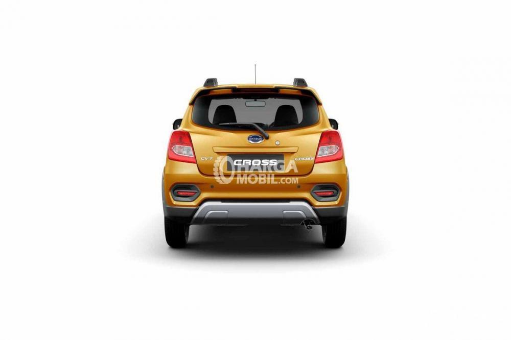 gambar bagian belakang Datsun Cross 2018 berwarna kuning