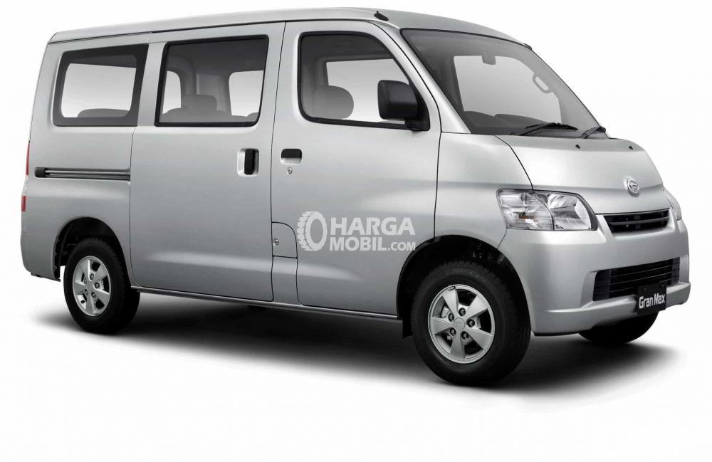 gambar bagian samping daihatsu gran max minibus 2017 dengan pintu geser