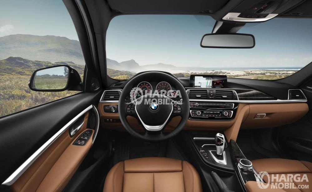 BMW 320i 2017 Memiliki Dashboard Dengan Material Soft