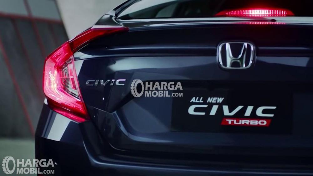 Honda Civic 2017 Dengan Bentuk Bagasi Diamond
