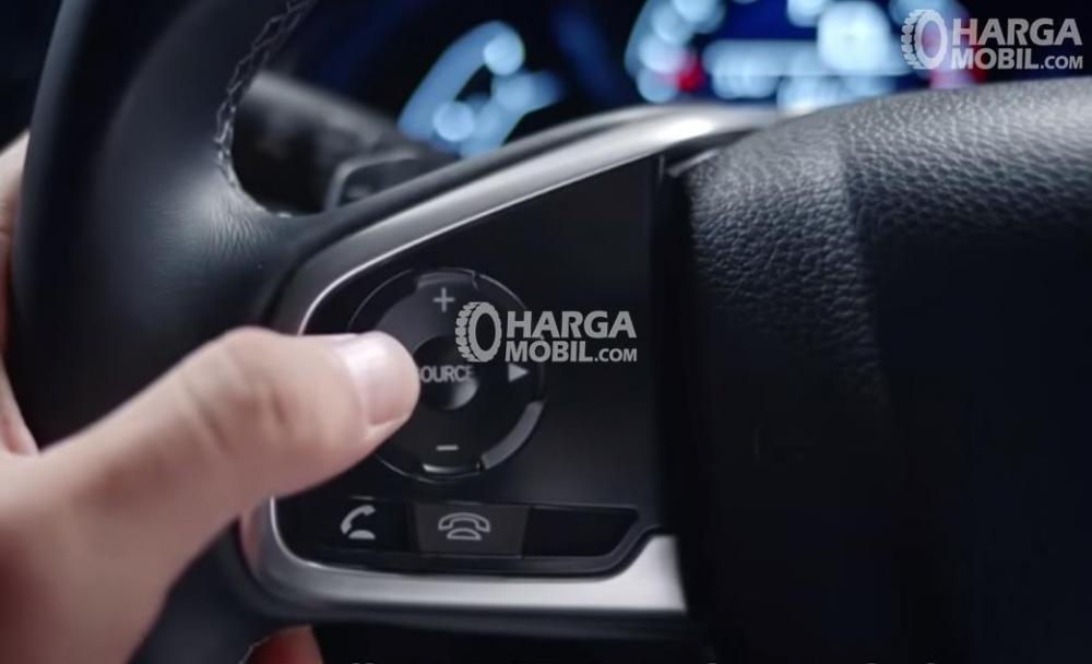 Kemudi Honda Civic 2017 Dilengkapi Banyak Button