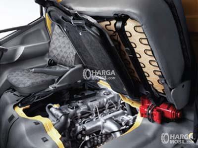 gambar mesin mitsubishi colt diesel limited edition 2017 yang bisa dicek melalui kursi yang diangkat