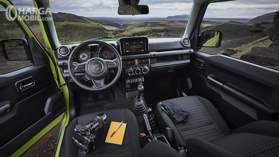 Dashboard Suzuki Jimny 2018 Lebih Rapi Dengan Lekukan Tegas