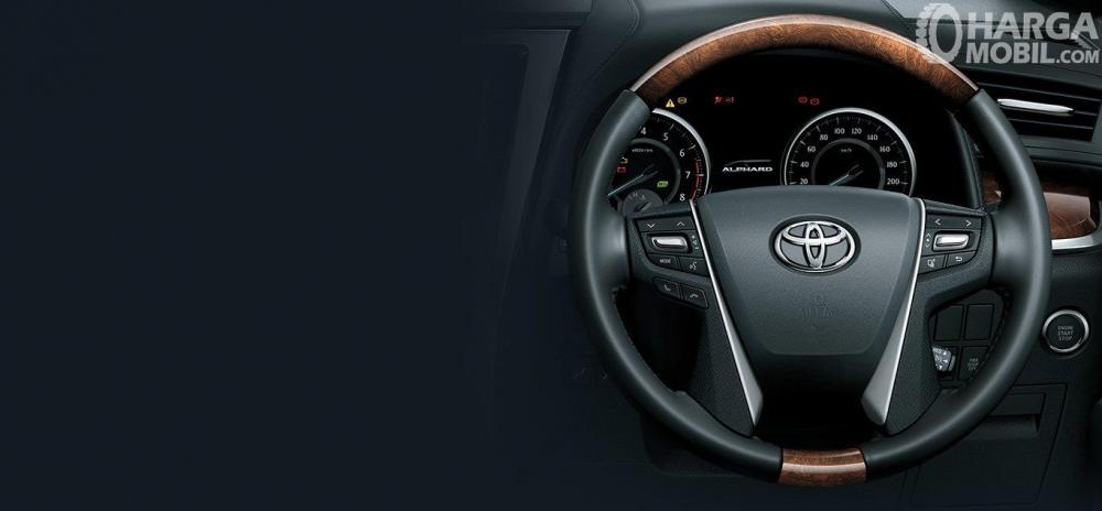 Setir Toyota Alphard 2018 Dengan Paduan Kulit dan Kayu