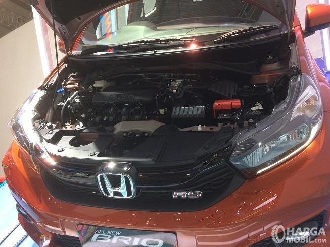 bagian mesin Honda Brio RS 2018 berkapasitas 1.198 cc