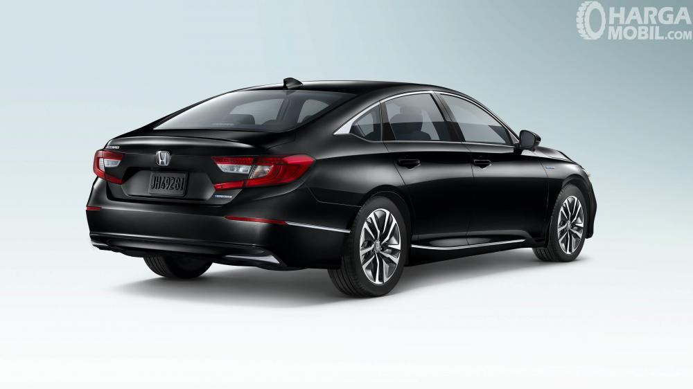Honda Accord Hybrid 2018 Dengan Ducktail Unik