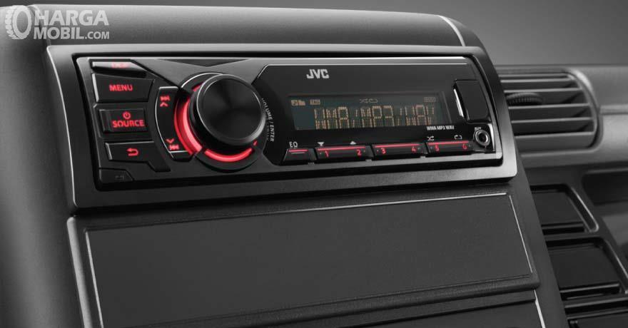 Mitsubishi Colt Diesel FE 74 HD 2017 Memiliki Fitur Audio Di Dashboard