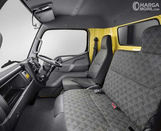 Mitsubishi Colt Diesel FE 74 HD 2017 Dengan Kabin Untuk 3 Orang
