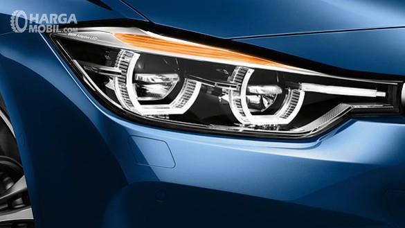 BMW 320i 2018 Khas Dengan Kidney Grill BMW