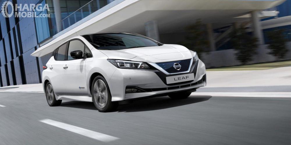 Nissan LEAF 2019 Mendapat Hidung Runcing Dengan V-Motion