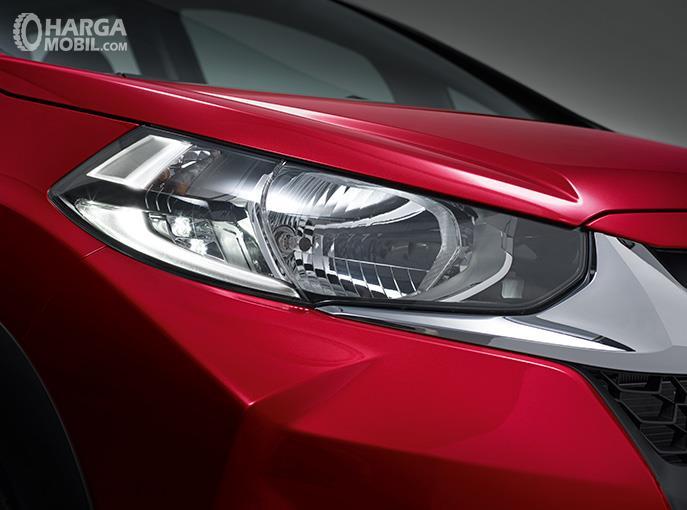 Eksterior depan Honda WRV 2019 menggunakan lampu Daytime Running Lights