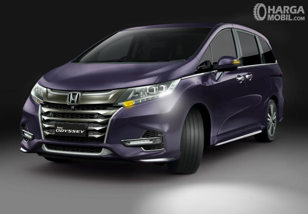 Honda Odyssey dibanderol dengan harga cukup tinggi di kisaran Rp. 700 jutaan