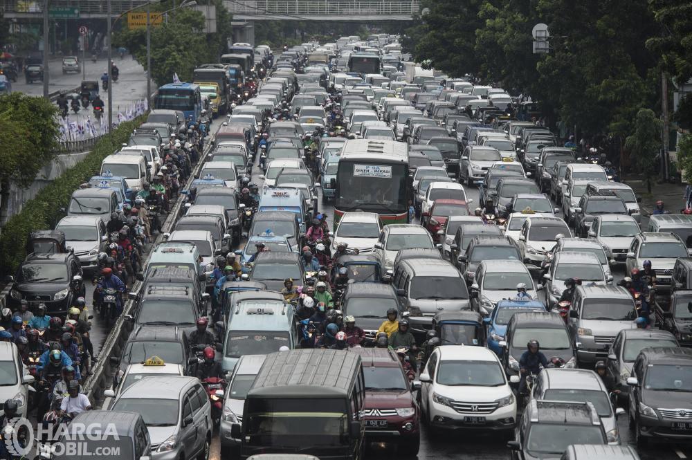 Potret kemacetan di jalanan Indonesia