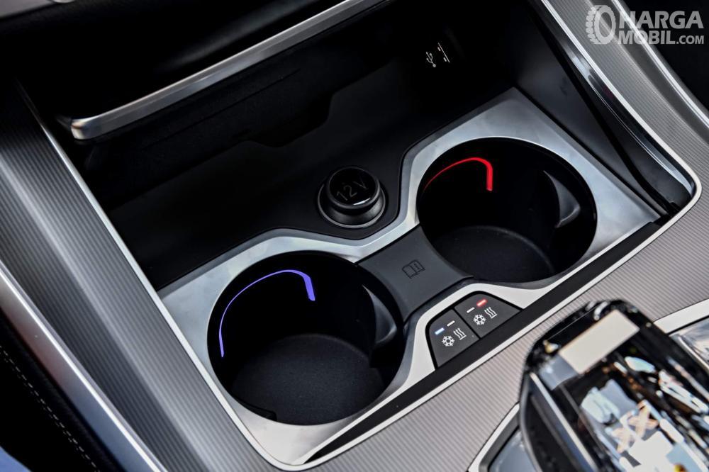 Foto cupholder BMW X5 2018