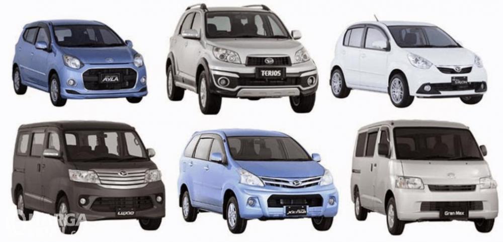 Gambar ini menunjukkan 6 mobil Daihatsu dengan beberapa model dan juga varian warna