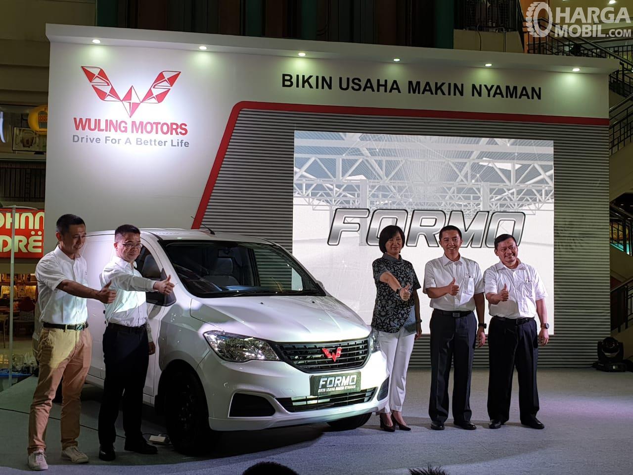 Foto saat Wuling Formo 1.2 diluncurkan di Jakarta
