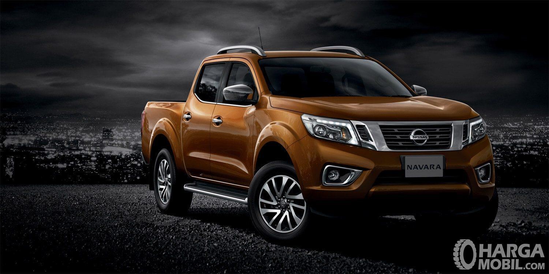 Nissan Navara 2015 menyuguhkan desain eksterior yang gagah, menyiratkan performanya yang tangguh