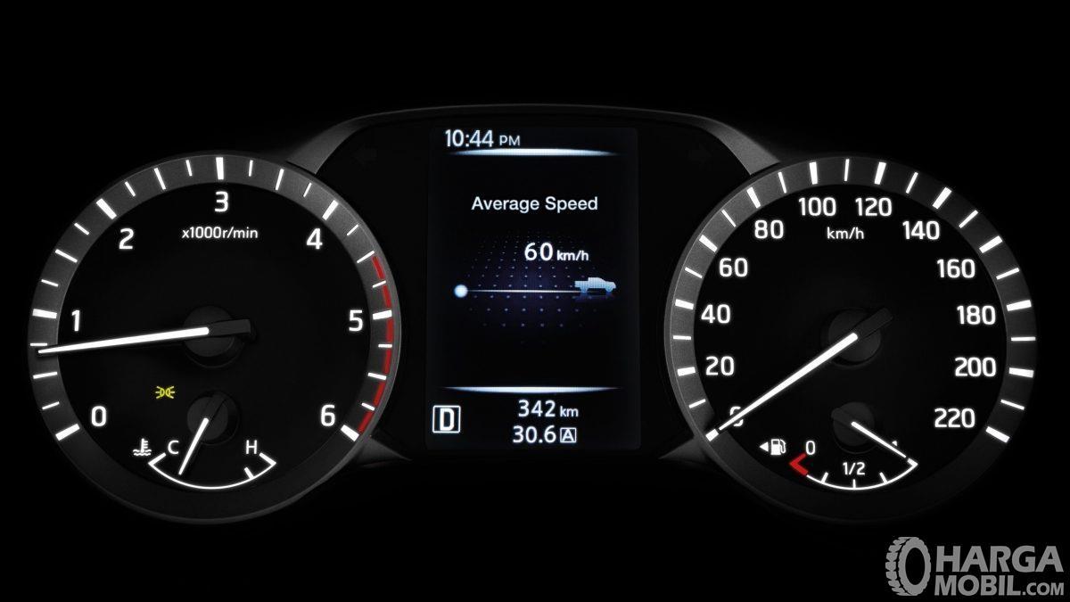 Fitur hiburan Nissan Navara 2015 menghadirkan panel Head Unit berukuran 7 inci