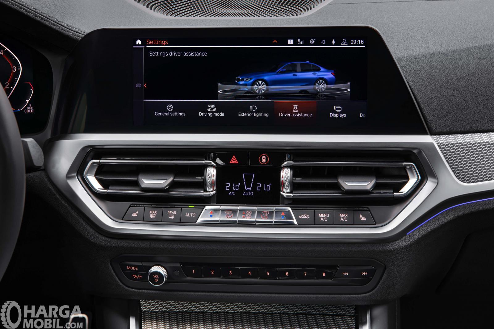 Foto panel BMW 3 Series 2019