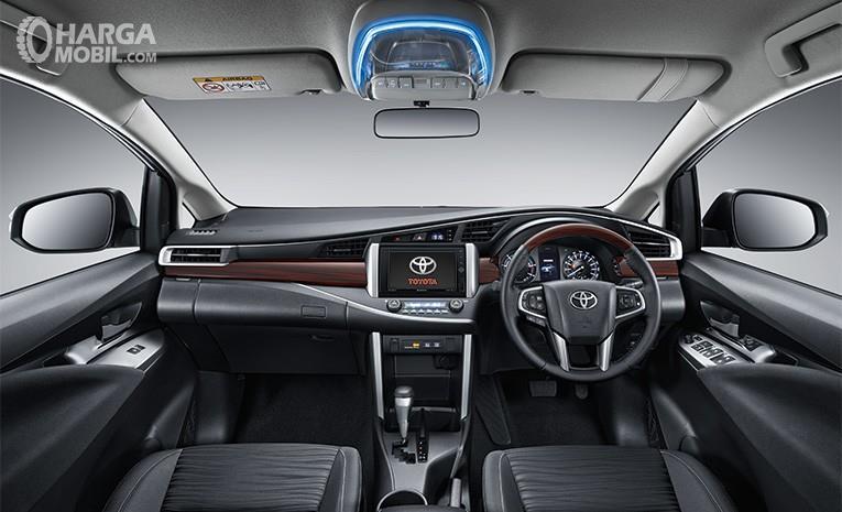 Dashboard Toyota Kijang Innova Q 2018 menghadirkan desain yang modern serta elegan