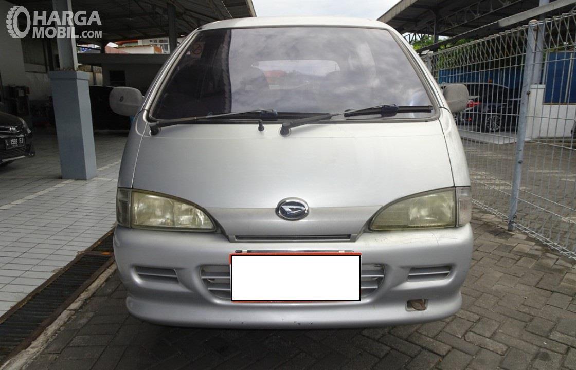 Foto Daihatsu Espass 2005 tampak dari depan