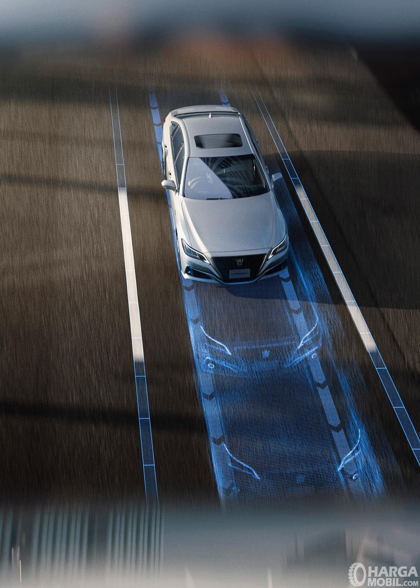 Teknologi TSS sudah dihadirkan pada Toyota Crown 2018