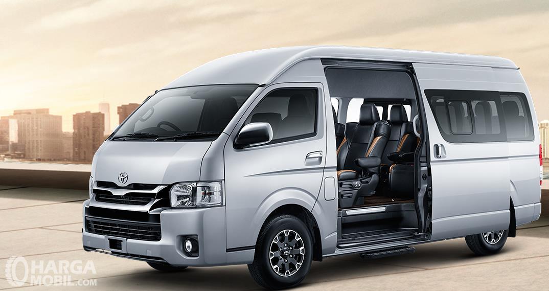 Review Toyota Hiace 2017 Mobil Mpv Dengan Desain Minibus Cocok Untuk Kendaraan Travel