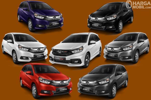 Gambar ini menunjukkan beberapa 7 pilihan warna Honda Mobilio